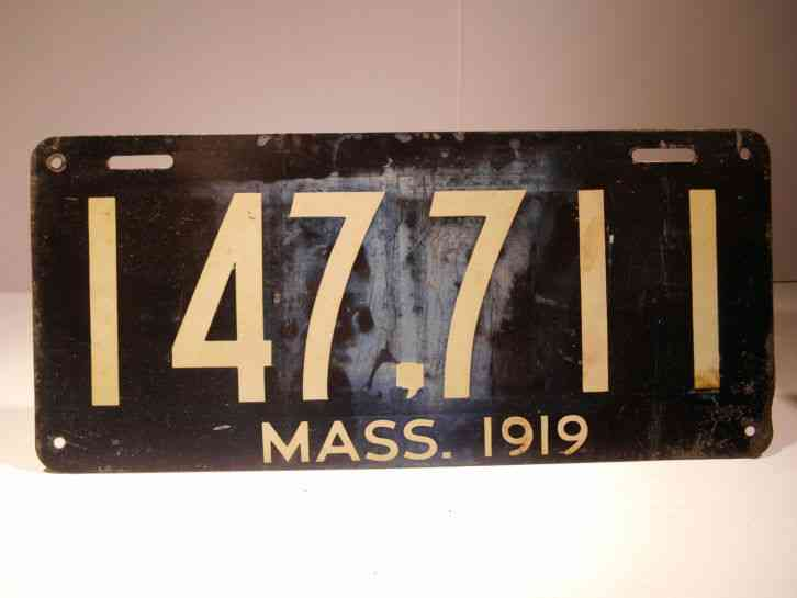 1919 Massachusetts Single License Plate