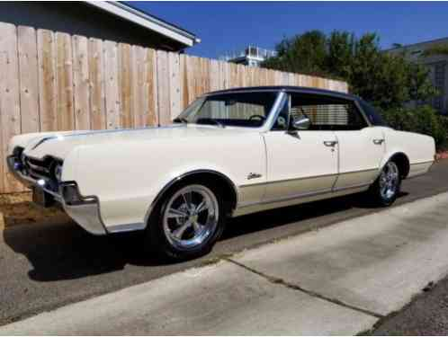 Oldsmobile Cutlass Cutlass Supreme (1967)