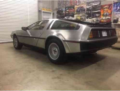 DeLorean DeLorean DMC-12 (1981)