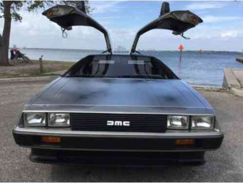 DeLorean DMC 12 Base Coupe 2-Door (1981)