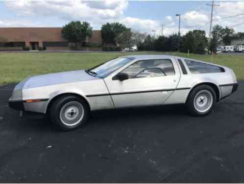 1982 DeLorean DMC 12 Base Coupe 2-Door