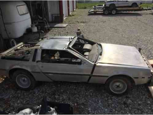 1982 DeLorean DMC12