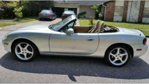 mazda mx 5 miata ls convertible 2 door 2002 john s motors. Black Bedroom Furniture Sets. Home Design Ideas