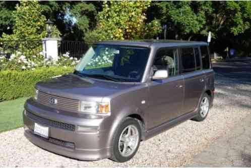 Scion xB (2004)