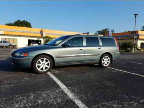 volvo v70 2 5t wagon 4 door 2004 up for sale a very well taken care of. Black Bedroom Furniture Sets. Home Design Ideas