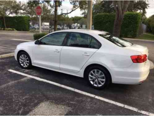 volkswagen jetta se 2011 for sale is an 2 5 automatic it has 75 956. Black Bedroom Furniture Sets. Home Design Ideas