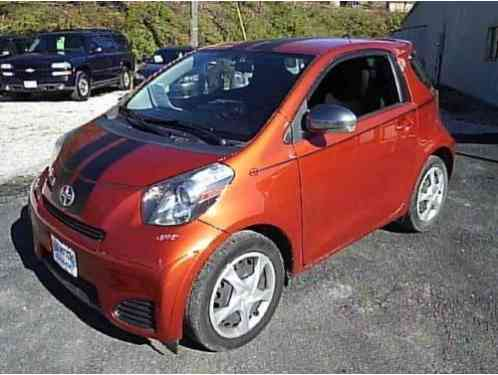 2012 Scion iQ Base 2dr Hatchback