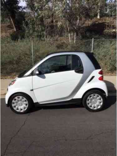 2013 Smart Fortwo Pure Model Color:white with grey trim