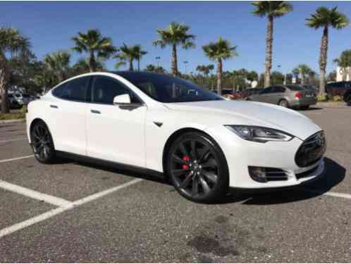Tesla Model S P85D fully loaded (2014)
