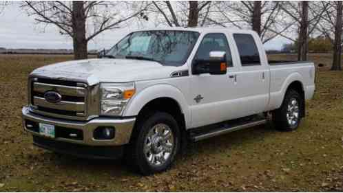 ford f 250 lariat crew cab pickup 4 door 2016 f250 4x4 with 6 7 liter. Black Bedroom Furniture Sets. Home Design Ideas