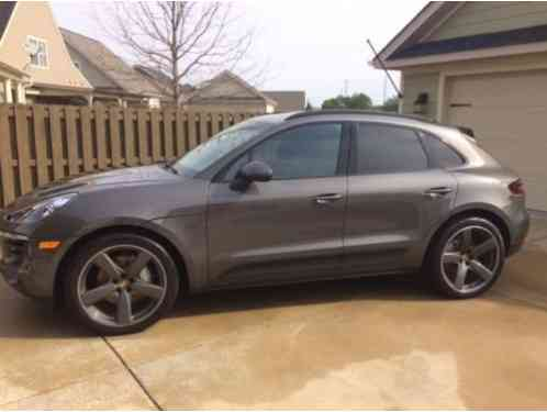 porsche macan s 4 door 2016 thi car i in exceptional like new car for sale. Black Bedroom Furniture Sets. Home Design Ideas