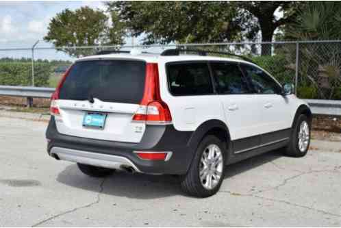 volvo xc70 awd 4dr wagon t5 premier 2016 1 of 12 view all images. Black Bedroom Furniture Sets. Home Design Ideas