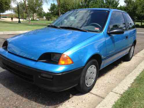 geo metro 1994, you are bidding on 2 door hatchback with