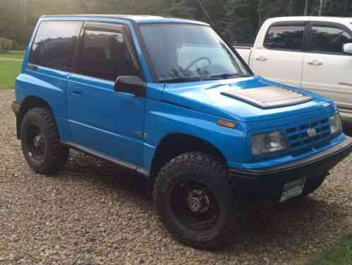 geo tracker 1994, 4x4 rare tin top, 5 speed manual