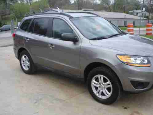 hyundai santa fe gls 2011 vehicle in a real great condition with oil. Black Bedroom Furniture Sets. Home Design Ideas