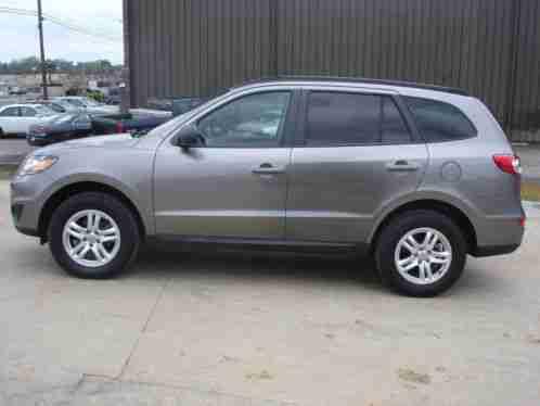 Hyundai Santa Fe Gls 2011 Vehicle In A Real Great