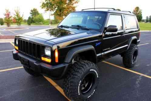 Jeep Cherokee BLACK LIFTED 2 DOOR XJ Sport 4, 0 4X4 105k ...