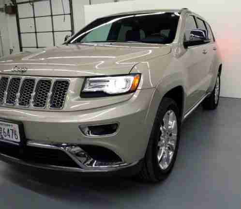 jeep grand cherokee 2014 up for sale is my summit edition i m the. Black Bedroom Furniture Sets. Home Design Ideas