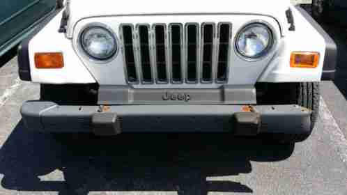 White Jeep Grand Cherokee For Sale Carmax >> Jeep Wrangler 1998, in fair condition, The brakes ...