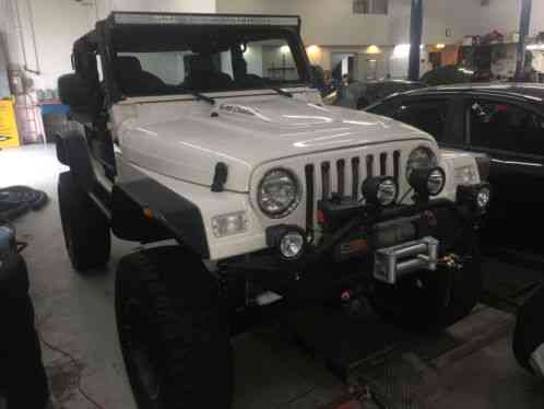jeep wrangler soft top hard top bikini top lifted 2005 clean title. Black Bedroom Furniture Sets. Home Design Ideas
