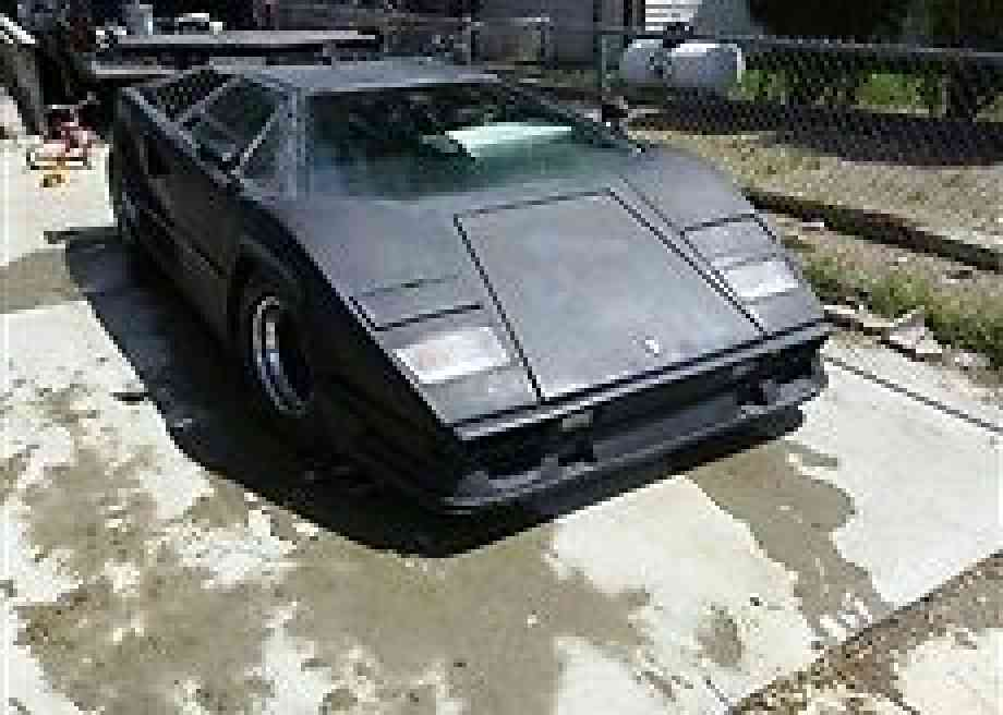 lamborghini countach 1989 this is a replica of a the wheel base is 98. Black Bedroom Furniture Sets. Home Design Ideas
