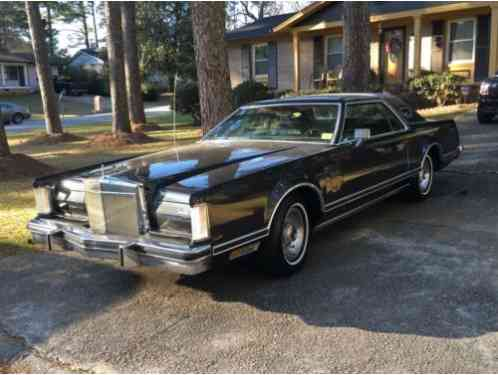 lincoln continental mark v 1977 the item up for action is a beautiful. Black Bedroom Furniture Sets. Home Design Ideas
