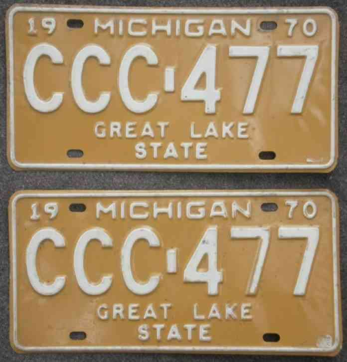 Michigan Mich 1970 License Plates Matching PAIR CCC-477