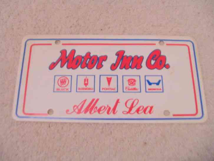 Minnesota vintage dealer promo plate plastic for Motor inn albert lea mn