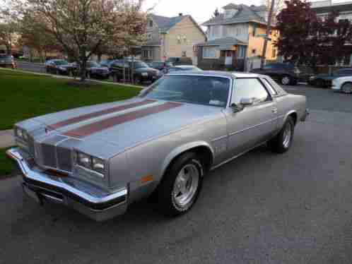 Oldsmobile cutlass salon 1976 up for sale is my i for 1976 cutlass salon