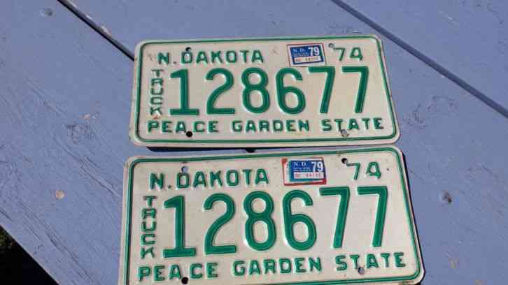 Set Pair Of 2 Vintage 1974 North Dakota Truck License