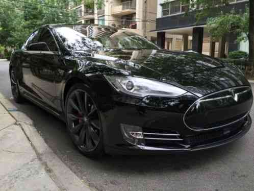 tesla model s 2014 p85d thi i a fully loaded rare p85d thee car are. Black Bedroom Furniture Sets. Home Design Ideas