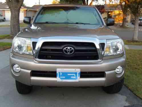 Toyota Tacoma Tacom Pre Runner 2006 4 Full Size Doors 5