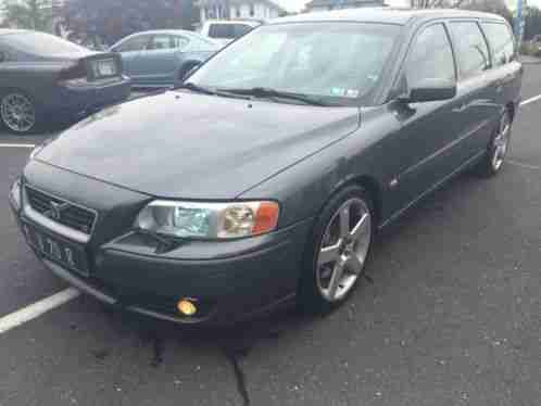 volvo v70 2004 up for sale is a r awd turbo wagon non. Black Bedroom Furniture Sets. Home Design Ideas