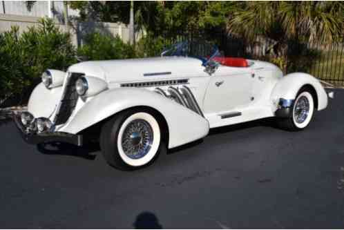 Cord Boattail Speedster Only 600 (1936)