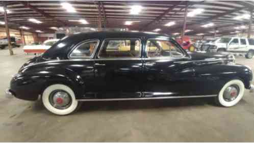 1947 Packard Super Deluxe Eight clipper