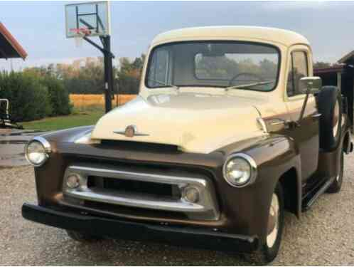 International Harvester S100 (1957)