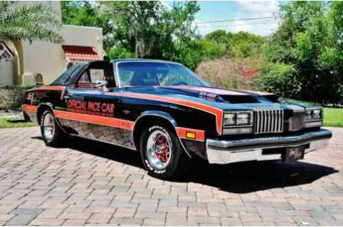 Oldsmobile Cutlass Supreme Pace Car (1977)