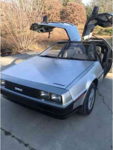 DeLorean DMC-12 Sports (1982)