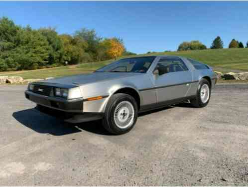 DeLorean DMC-12 DMC-12 (1983)