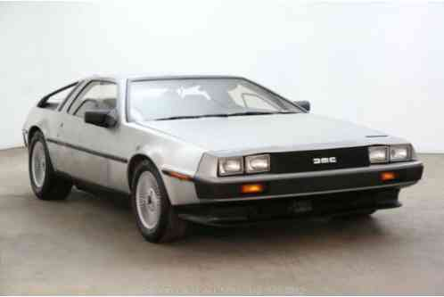 DeLorean DMC (1983)