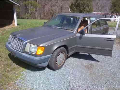 Mercedes-Benz 300-Series RARE! W124 (1987)