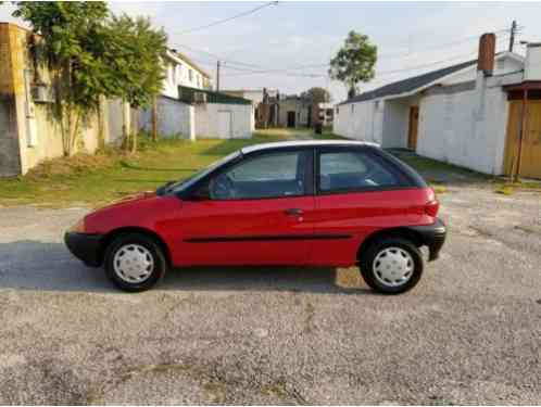 Geo Metro LSi Hatchback 2-Door (1995)