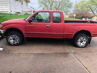 Toyota Tacoma red (1997)