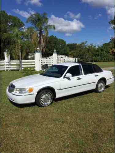 Lincoln Town Car Excutive Black Tie Series 2001 This Is Probably The