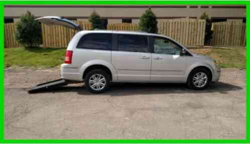 2010 Chrysler Town & Country Limited Wheelchair Handicap Mobility Accessible van