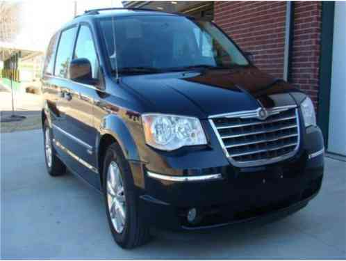 Chrysler Town & Country Touring (2010)