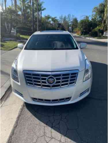 Cadillac XTS Luxury (2013)