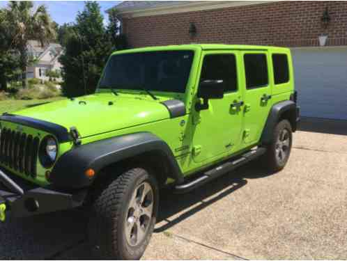 2013 Jeep Wrangler Sport 4dr SUV 4WD