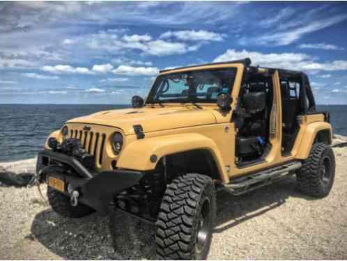 Jeep Wrangler Unlimited Sahara Sport Utility 4 Door 2013