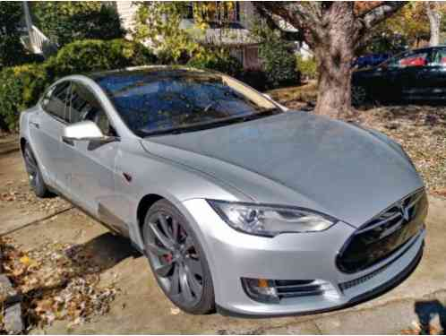 2013 Tesla Model S Tech package and studio sound